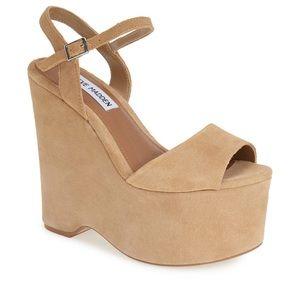 Steve Madden jaylee platform wedge sandal size 7